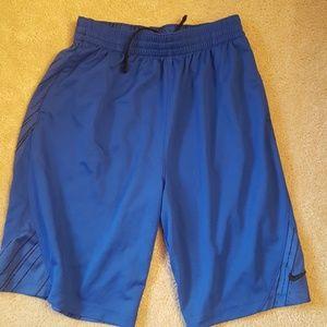 Nike boys shorts xl